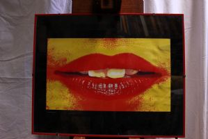 Pair of prints with frame and glass depicting lips pop art prints XX century
