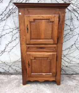 Louis XVI cabinet in walnut with two doors and a drawer
