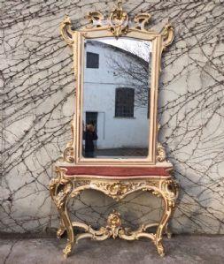 Maestosa consolle con specchiera   Luigi XVI, laccata e dorata a foglia  Piano in velluto Bordeaux