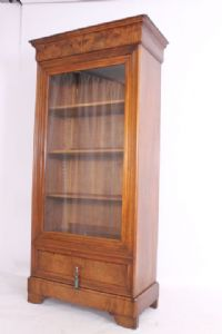 Antica Bookcase 1 door Cristalliera Luigi Filippo Cappuccina half 800 in walnut and briarwood! Antiques