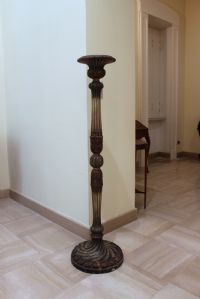 Column lacquered and painted wood