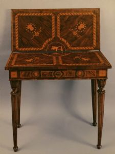 Tavoli antichi del 700 tavoli antichi mobili antichi for Centro lombardo mobili