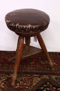 Wooden tripod stool chair second half '900 chair stool 3 feet wood old