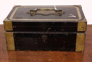 Piccola cassetta di sicurezza/cassaforte in metallo inglese XX secolo metallo