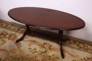 Table oval coffee table in half of the 1900s old vintage coffee table wood