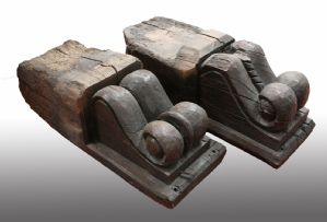 Pair of wooden shelves. Period 1700