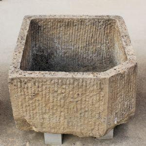 石材中的矩形管