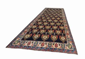 PALACE CARPET WITH SHAH CROWNS, TERRIFIC PIECE, HUGE SIZE OF 706 x 337 cm(!) RARE MAGNIFICENT SAROUK WITH SHAH-CROWNS, 278x133 inch
