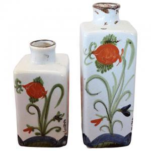 Coppia di vasi bottiglie in ceramica artistica di Faenza dipinti a mano