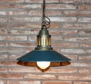 Coppia di lampadari industriali anni 60