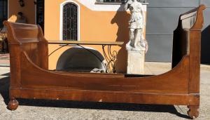 boat bed in walnut