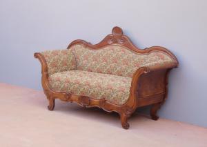 Divano Carlo X in legno massello di noce, rivestito in tessuto, '800 - L 174 cm!