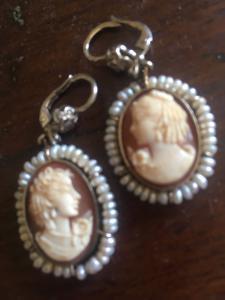 Paar Ohrringe mit Kameen aus dem 19. Jahrhundert