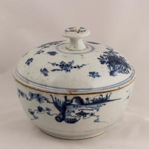 Zuppiera con coperchio Periodo dinastia Ming
