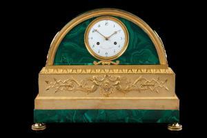 Relógio de bronze e malaquita