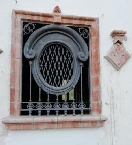 dars381 - n. 2 iron and cast iron railings, l 109 xh 145 cm