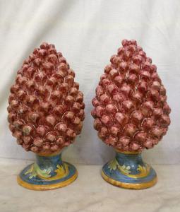 Ceramica di Caltagirone - Coppia di Pigne rosse - H 40 cm - Sicilia - 1954