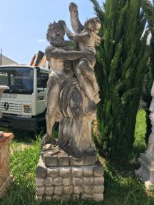 Stone statue 100x100x52hbase, 100x90x280hstatua