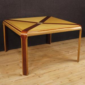 Tavolo italiano di design in mogano, acero e legno dipinto