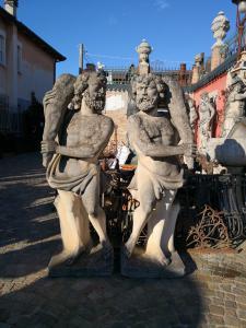 Statue da parco in pietra