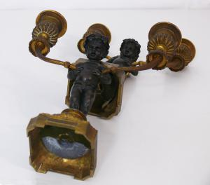 Coppia di piccoli doppieri in bronzo con putti - CA/1134