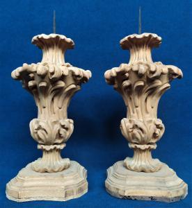 Coppia di torciere stile Luigi XIV in legno - cm 54 h - inizio XX sec.