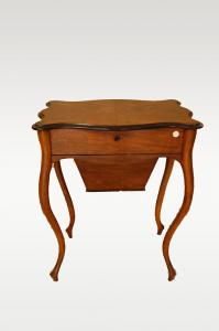 Antique 19th century Biedermeier style dressing table in briar walnut