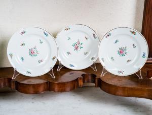 Набор из трех элегантных фарфоровых тарелок Ginori Manifattura