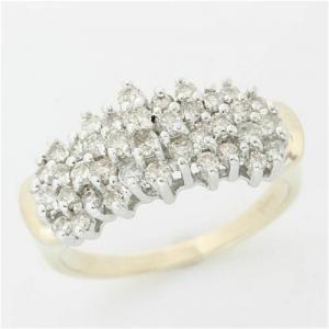 ded8a6b50451 Anillo de oro amarillo y blanco de 14k con diamantes pavé - tot. quilates  1.00