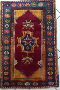 800 vintage ushak carpet very good condition !!!!
