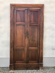 Комплект из 10 двустворчатых дверей из орехового дерева С рамой