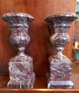 Coppia vasi in marmo rosso