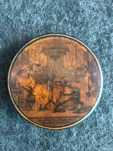 Papier mache 'snuffbox with scene with inscription: declaration d'amour du cert nu cheval geme-les eleves de franconi.France