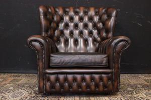 Chesterfield bergere armchair in walnut brown leather