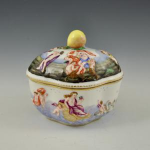 Sugar bowl from Le Metamorfosi by Ovidio Manifattura Ginori, Doccia (Florence), 2nd half of the 19th century
