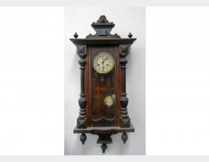 Wall clock in Walnut Art OCC87
