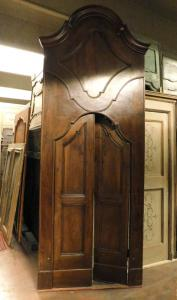 pti252 porta in noce con portale, epca '700 dim max 113 x 306 cm, porta 82 x 188 cm