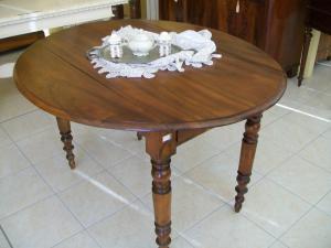 Tavoli tondi antichi e tavoli ovali antichi Mobili antichi ...