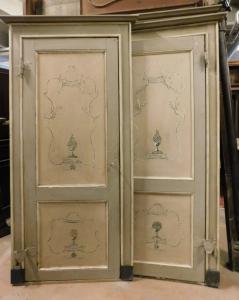 пц737 - н. 4 лакированные двери в комплекте с рамой, вторая половина 18 века.