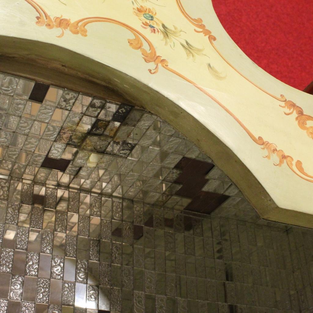 thumb10|Trumeau veneziano laccato, dorato e dipinto