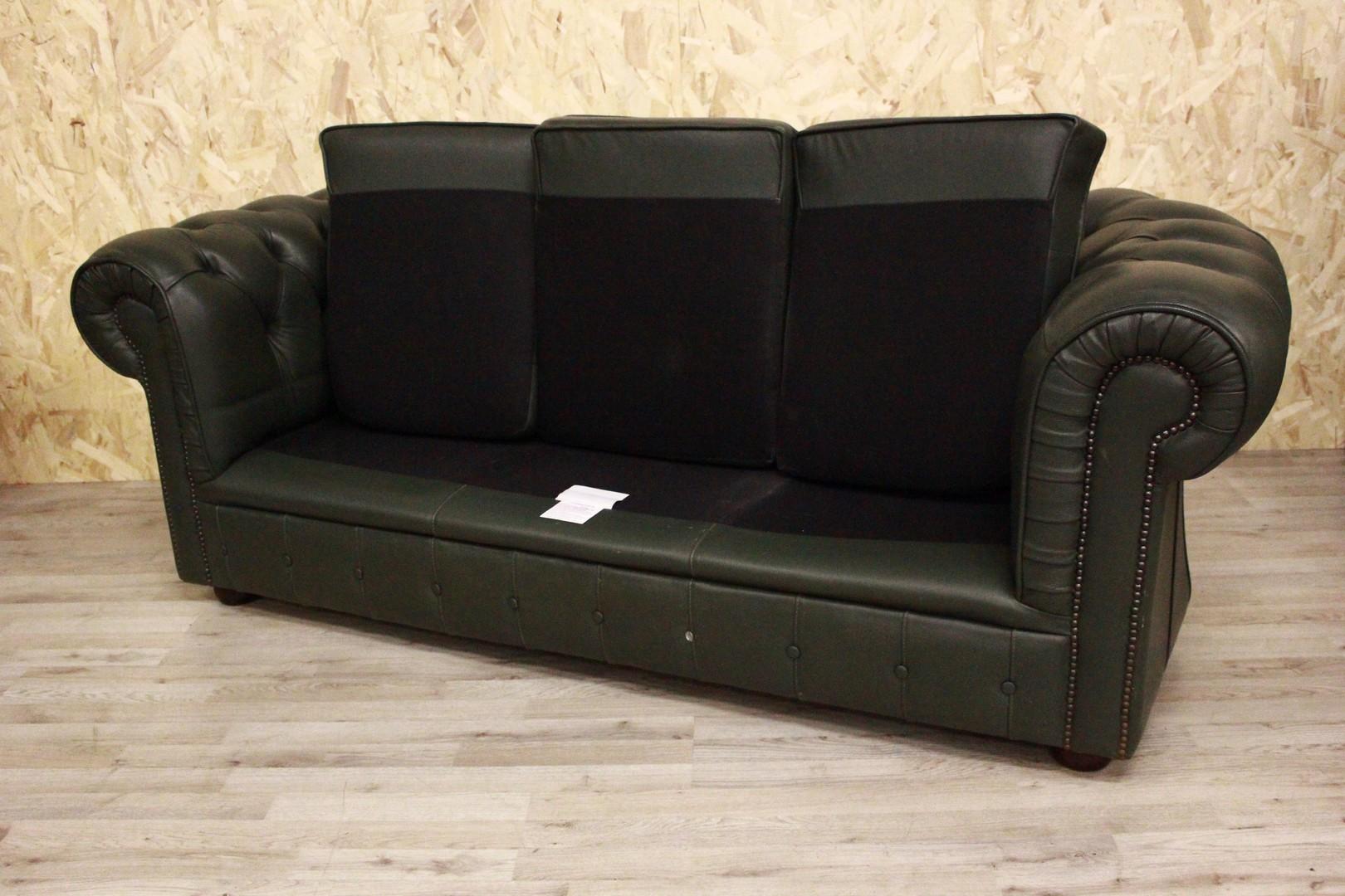 3-Sitzer Chesterfield Sofa in original grünem Leder Made in ...