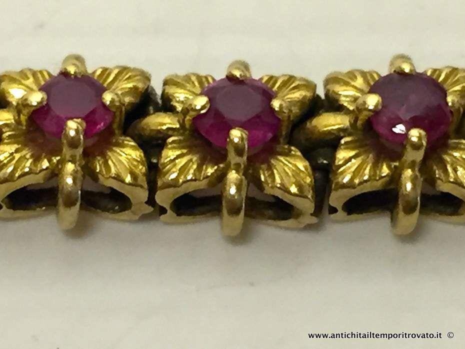 thumb3|Bracciale in oro primi 900 con 33 fiori con rubini