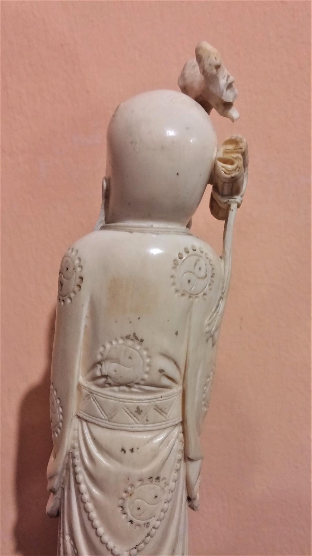 thumb5|Statuetta in avorio, saggio orientale, fine '800