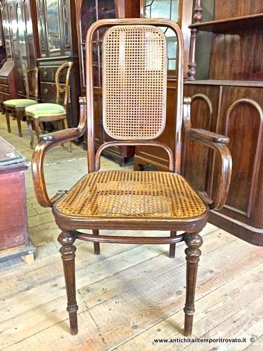 thumb6|Antica figura di donna in avorio primi 900