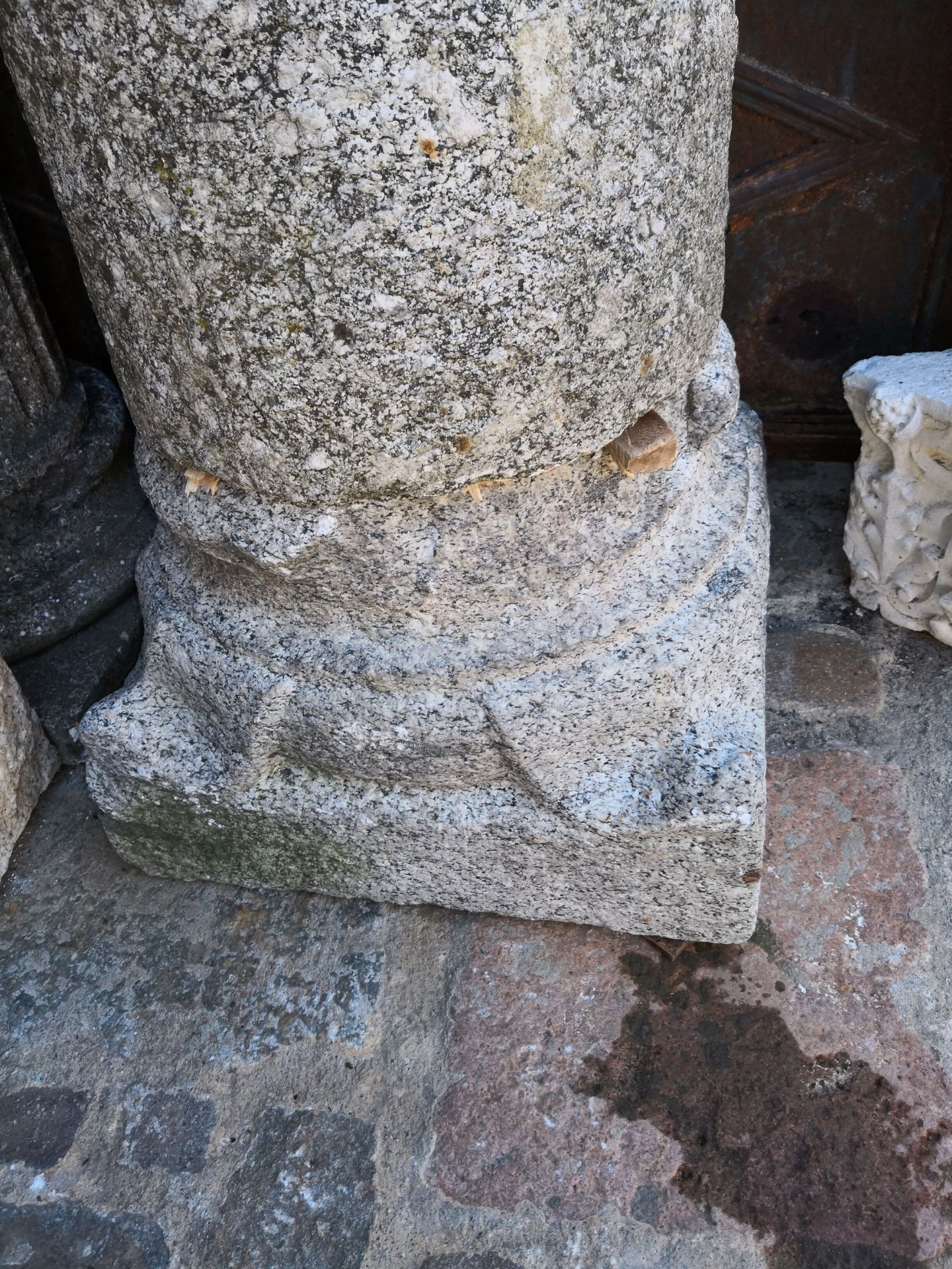thumb3|colonna in pietra