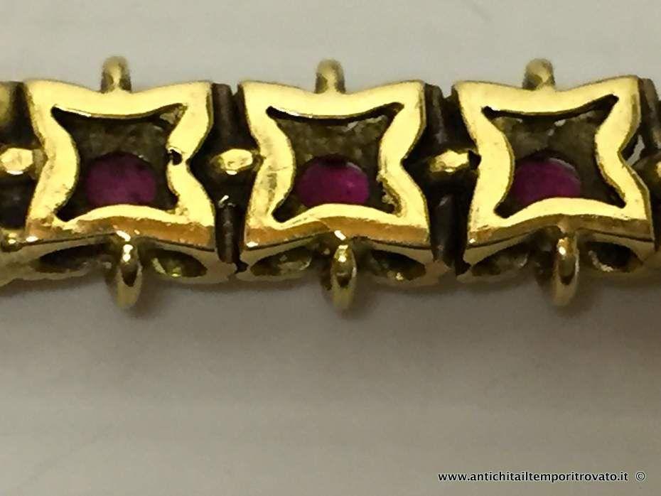 thumb7|Bracciale in oro primi 900 con 33 fiori con rubini
