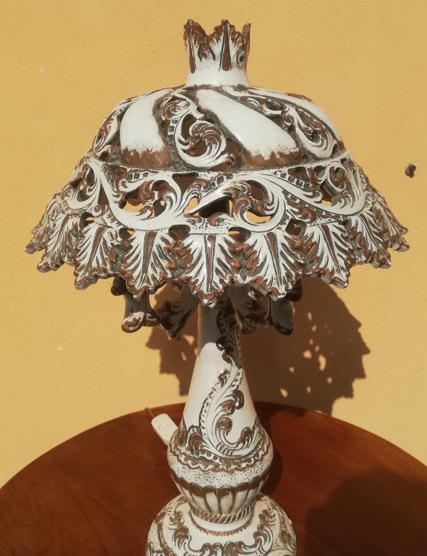thumb8|lampda in ceramica Bassano