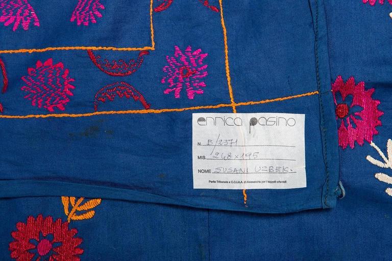 thumb3|Antico tessuto ricamato SUSANI a fondo blu - B/2371
