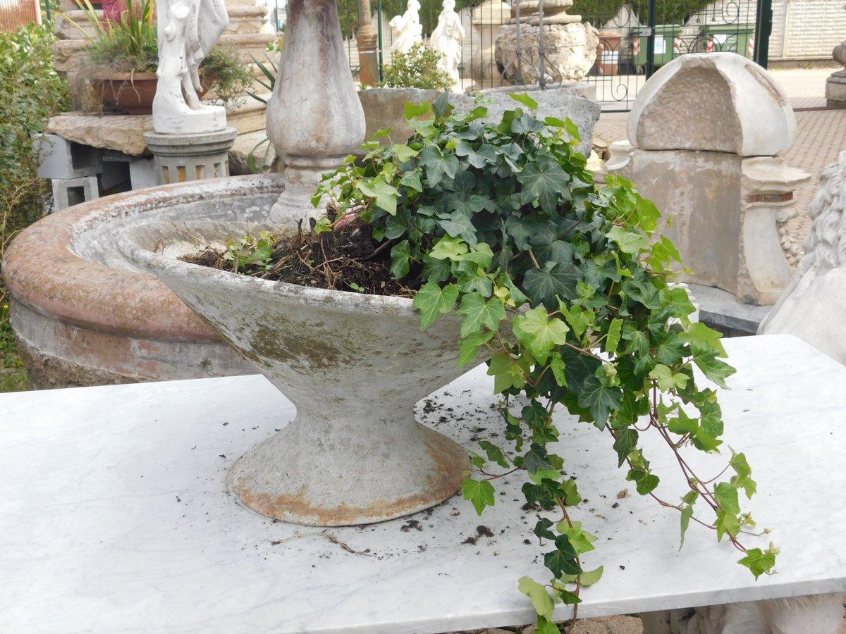 thumb5|dars292  vasi in cemento varie misure, anni '60