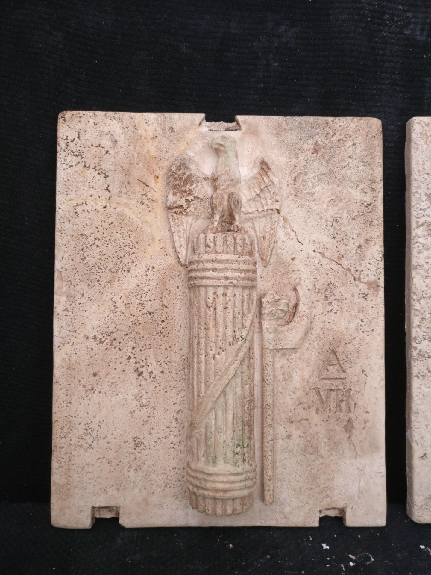 thumb7 Magnifica Coppia di Fasci Littori in Travertino - Stemmi da muro - 32 x 40 cm - Roma - 1927/28